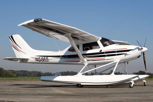 floatplane / passenger / 4-stroke engine / 0 - 10 Pers.