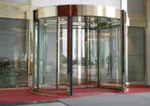 automatic revolving door / for airports