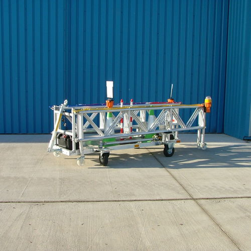 protective barrier / movable / for airports