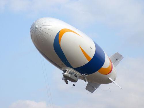 lifting airship