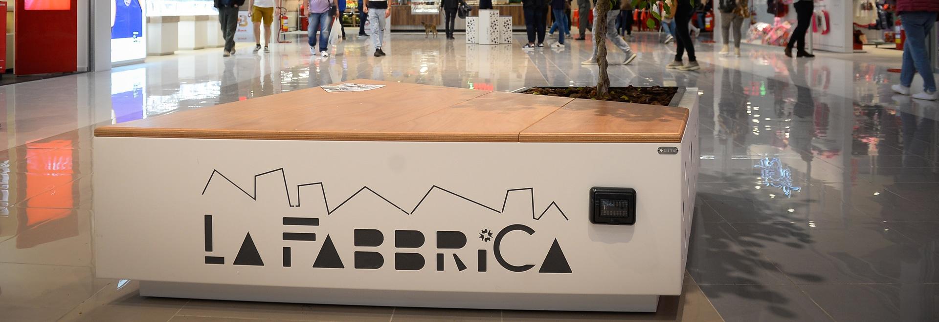 """Shopping Mall """"La Fabbrica"""" di Salerno"""