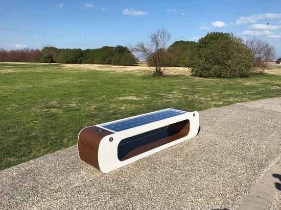 ELIOS solar smart bench by Citysi