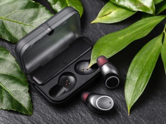 Using Nanusens nanosensors can free up space inside earbuds for larger batteries and more sensors (Pic: Nanusens)