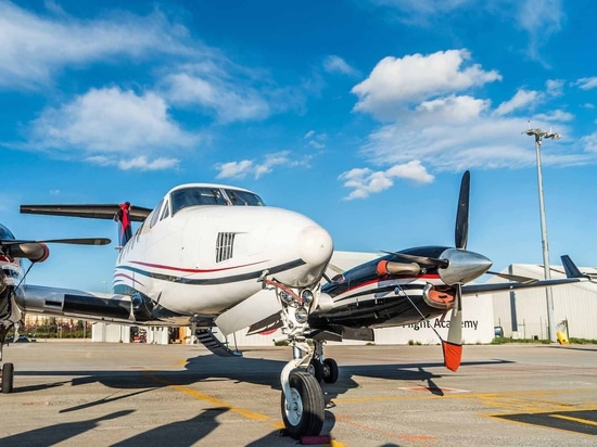 Zeusch Aviation has two King Airs in its fleet—a C90A and this B200. (Photo: Zeusch Aviation)