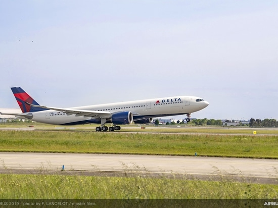 Delta takes delivery of first A330neo
