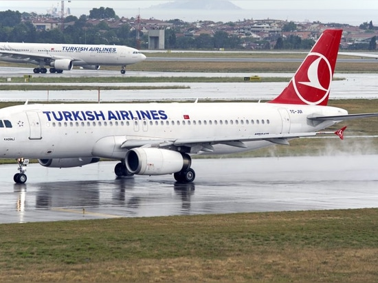 Turkey's flag carrier, Turkish Airlines, operates 144 Airbus aircraft, including the A320 family and the A330. Photo credit: Kaan Dincer / Aeronautics Online