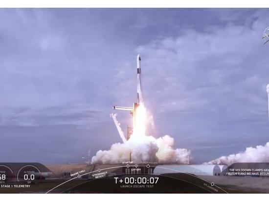 Crew Dragon spacecraft and Falcon 9 rocket conduct launch escape test