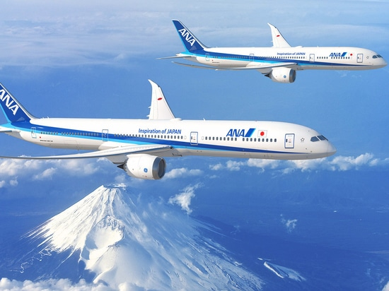 Boeing 787-10, 787-9 Dreamliners in ANA colors.