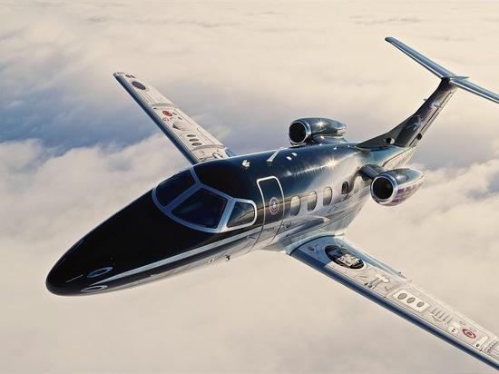One of John Stahr's designs that always draws a crowd is the Star Wars-themed Millenium Phenom business jet.