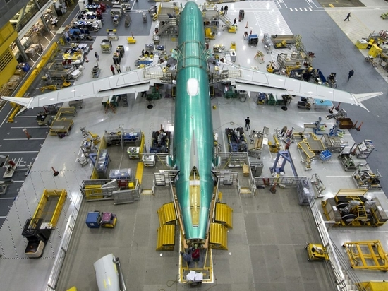 Boeing wins order for 100 more 737 MAX planes from Southwest