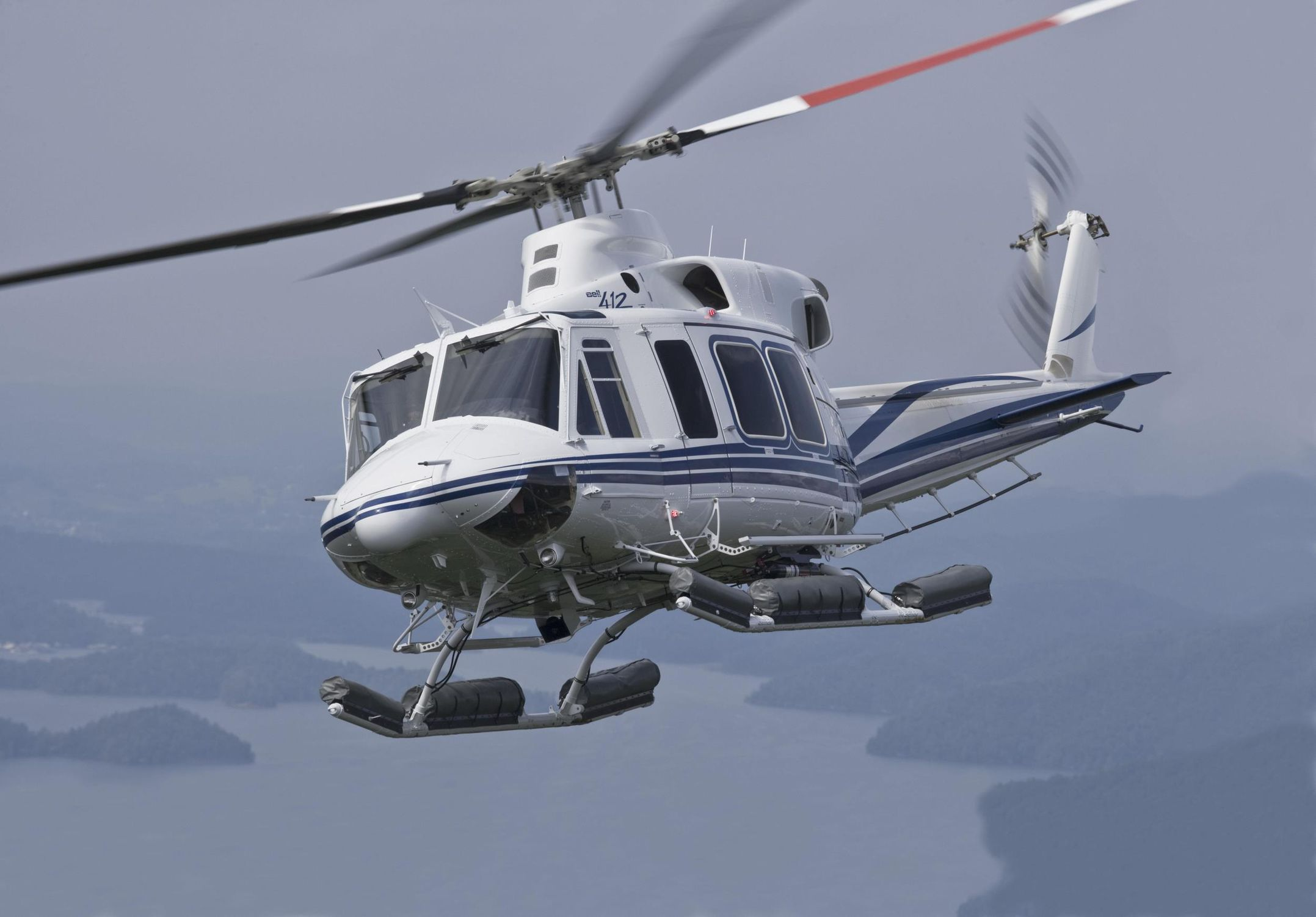 11~20人ヘリコプター Bell 412EPI民間輸送機用ビジネス医療搬送