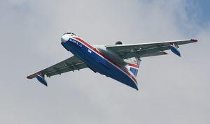 10 000 L以上ウォーターボンバー水上機 / 水 / 難燃剤 / 2500 - 5000 km