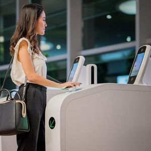 空港用自動化ゲート / 顔認識付 / 指紋リーダー付 / パスポートリーダー付