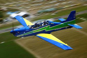 2人乗り超軽量飛行機 / 単発 / 4ストロークエンジン / キット