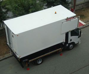 caminhão pantográfico de catering para aeroporto / com baú refrigerado