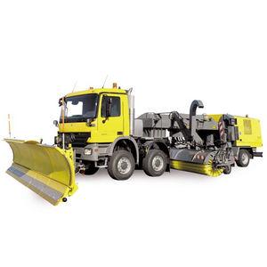 varredeira para pista / montada em caminhão / compacta