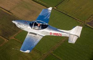 aeronave leve esportiva monolugar / de 2 lugares / monomotor / com motor de pistões