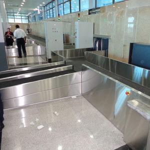 esteira transportadora / de bagagens / com balança / horizontal