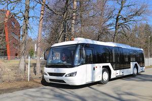 ônibus para aeroporto / > 50 passageiros / climatizado / 5 lugares sentados