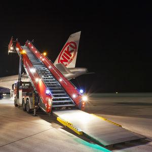 escada de embarque / de emergência / móvel / autopropelida