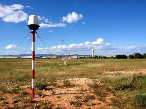 radar de vigilância / meteorológico / para aeroporto
