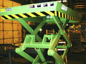 mesa elevatória tipo sanfona / para aeroporto