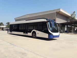 ônibus para aeroporto / 144 passageiros