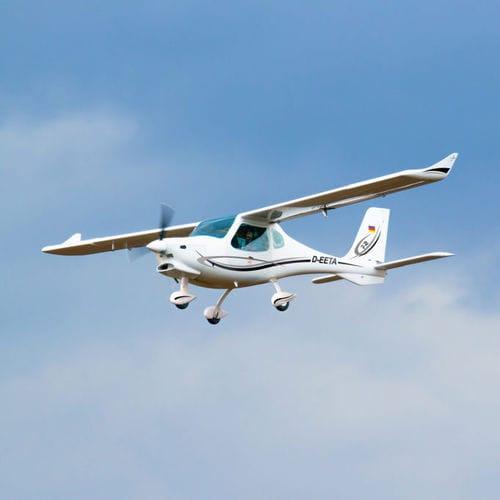 aeronave leve esportiva de 2 lugares