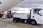 caminhão de limpeza de toaletes autopropelido / para aeroporto