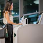 sistema de controle automático de fronteiras para aeroporto / com reconhecimento facial / com leitor de impressões digitais / com leitor de passaportes