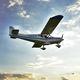 pequena aeronave de 4 lugares / monomotor / com motor de pistões / para escola